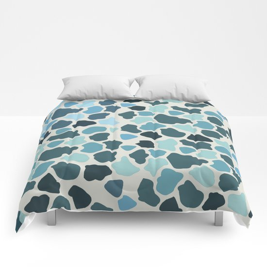 Abstract pattern 15 Comforters