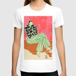CALM WOMAN PORTRAIT T-shirt