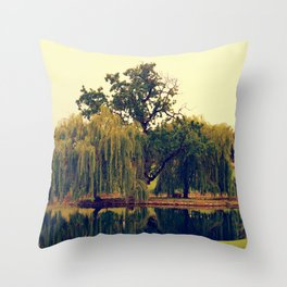 Weeping Willow Island Throw Pillow