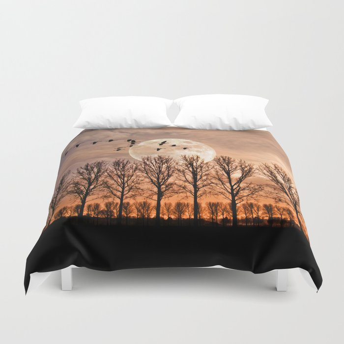 Night of the wild geese Duvet Cover