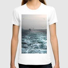 enjoy ferry in Istanbul T-shirt