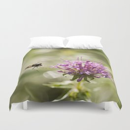 Flower with hoverfly Duvet Cover