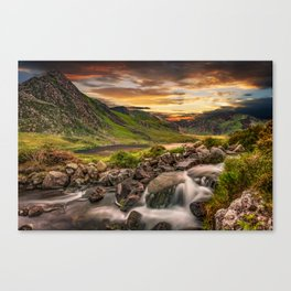 Tryfan and Llyn Ogwen Snowdonia Canvas Print