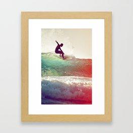 Danse avec les vagues Framed Art Print