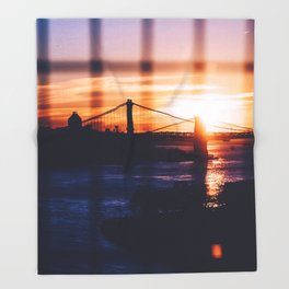 New York bridge Throw Blanket