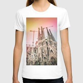Rainbow Sky Vintage Sagrada Familia in Barcelona Spain T-shirt