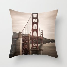 San Francisco, Golden Gate Bridge Throw Pillow