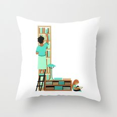 L as Libraire (Bookseller) Throw Pillow