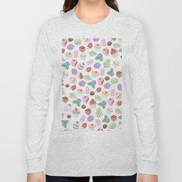 Pink teal trendy sweet macaroons cookies cupcake pattern Long Sleeve T-shirt