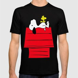 Snoopy looking at the sky T-shirt
