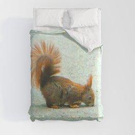 Cute squirrel - retro look Comforters