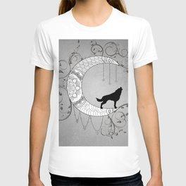 Moon mandala design with wolf T-shirt