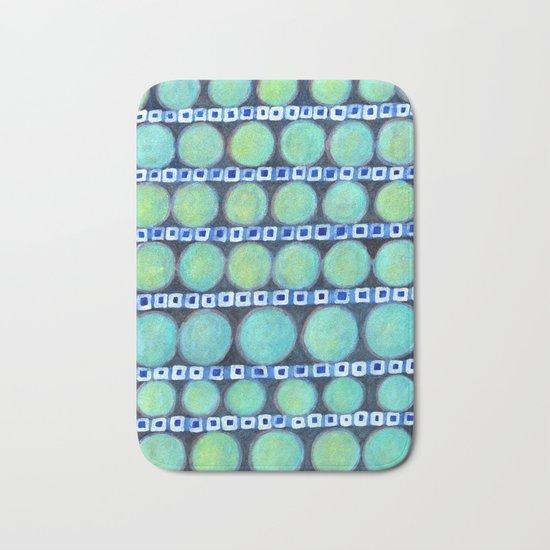 Rows of Blue Iridescent Circles Pattern Bath Mat