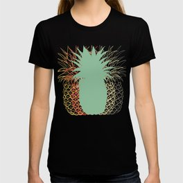 Silhouette Fruit Cool Pineapple Graphic T-shirt Unique Summer Vacation Beach Hawaii Sunny Day Design T-shirt