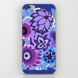 CAMBRIA, ART DECO FLORALS: NEWPORT BLUES iPhone Skin
