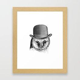 Ceci n'est pas un hibou Framed Art Print