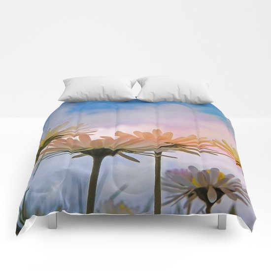 Daisies in the sky Comforters