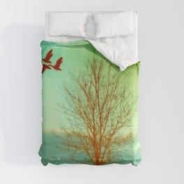 bird flight Comforters