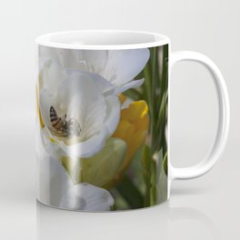 Bee on its back Coffee Mug