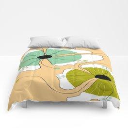 FLOWERY CLARA / ORIGINAL DANISH DESIGN bykazandholly Comforters