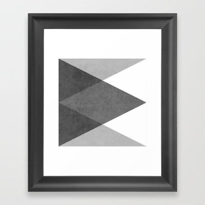 black and white triangles Gerahmter Kunstdruck