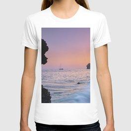 Big Wave. La Joya Beach At Sunset. Spain T-shirt