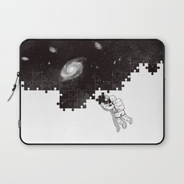 SOLVING THE BIG PUZZLE Laptop Sleeve