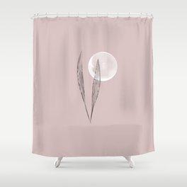 aquí y ahora Shower Curtain