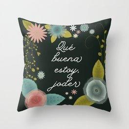 Qué buena estoy - Dark Throw Pillow