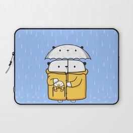 Opi y Kipi en la lluvia Laptop Sleeve