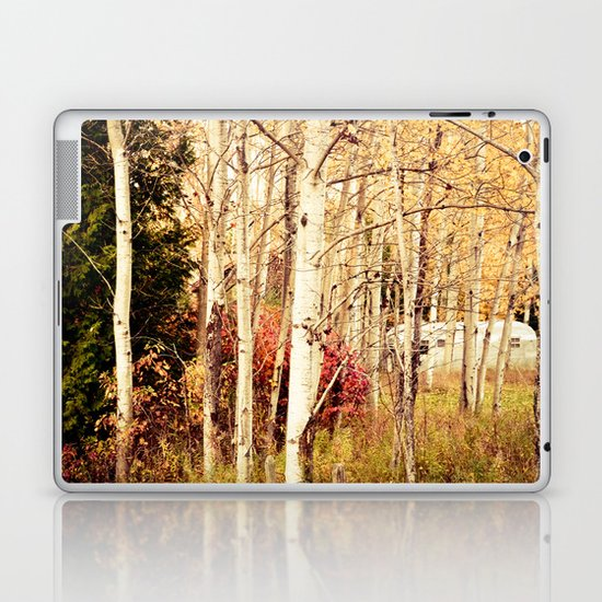 She Was a Trailer Park Girl at Heart  - color Laptop & iPad Skin
