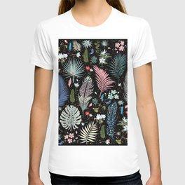 Magic Garden / Floral Pattern T-shirt