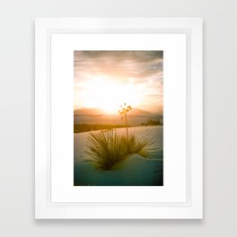 white sands sunset 2 Framed Art Print