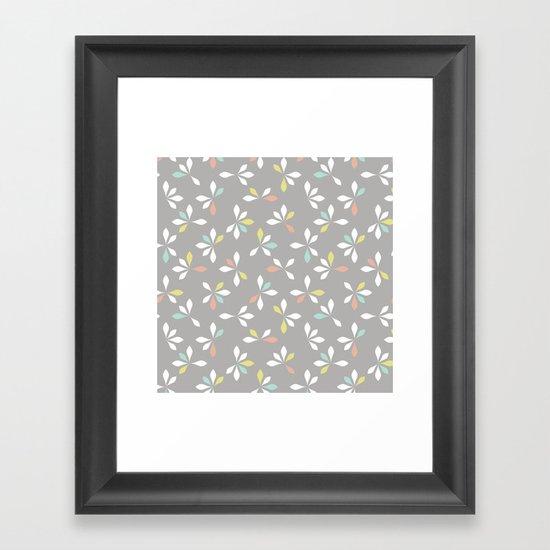 loves me loves me not pattern - pastel Framed Art Print