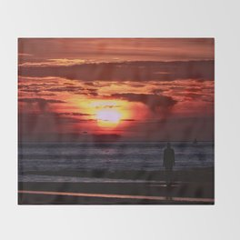 As the Sun goes down Throw Blanket