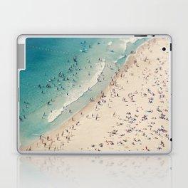 beach love V Laptop & iPad Skin