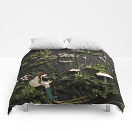 Bridie and the Robins in the Forest of Shamrocks Comforters