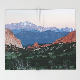 Sunrise at Garden of the Gods and Pikes Peak Throw Blanket