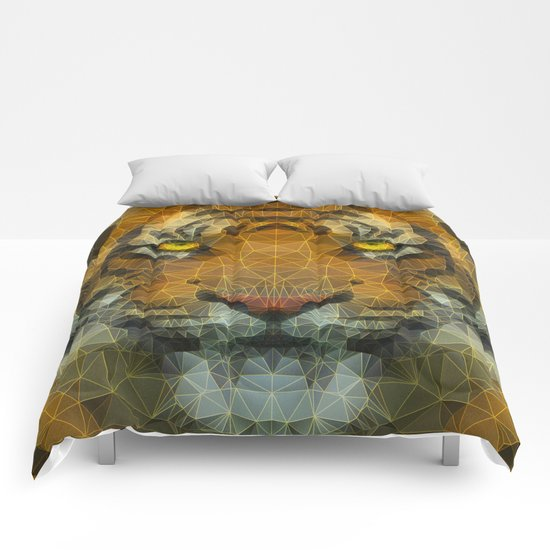 eye of a tiger Comforters