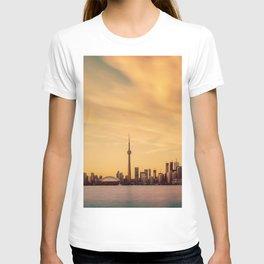 Golden Sunset Cityscape (Color) T-shirt