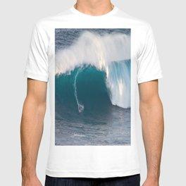 "Surfing ""Jaws"" (Pe'ahi) T-shirt"