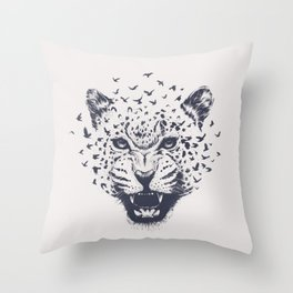 Nature´s Roar Throw Pillow