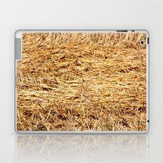 Ein Bett im Kornfeld / a bed in the hay Laptop & iPad Skin