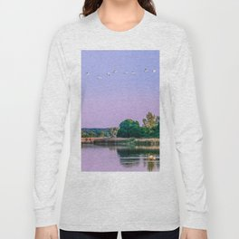 Swans are flying Long Sleeve T-shirt