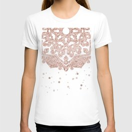Peaceful showers T-shirt