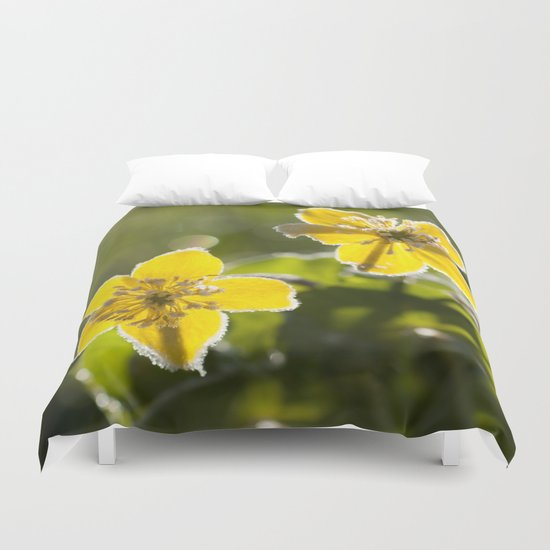 Frozen buttercup in love Duvet Cover