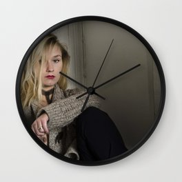 Le cœur brisé II - The broken heart II Wall Clock
