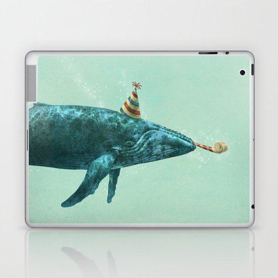 Party Whale - colour option  Laptop & iPad Skin
