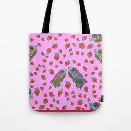 Iguana kisses Tote Bag