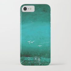 Emerald seagulls iPhone 7 Slim Case